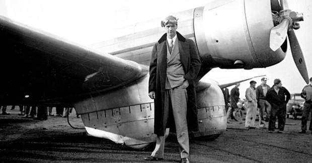 mj-618_348_howard-hughes-the-man-who-flew-too-high